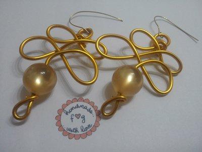 orecchini alluminio lavorati a mano
