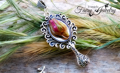 Collana bocciolo rosa naturale specchio gioielli botanici