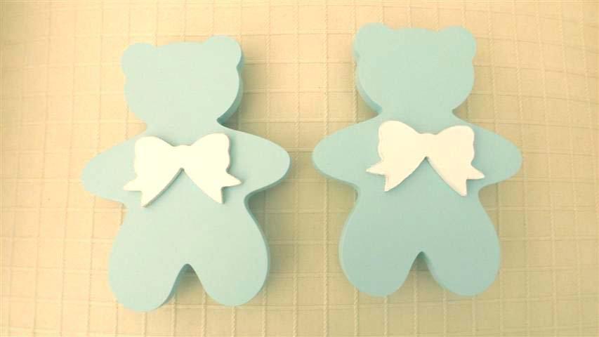 ORSETTO CORPO INTERO  - LEGNO LACCATO BABY BLUE con FIOCCO in legno   - misura standard  - sostituisce maniglie - no fimo