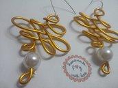 orecchini fatti a mano con tecnica wire