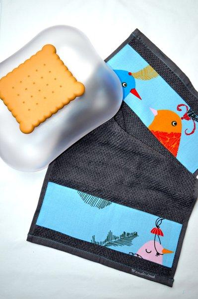 Asciugamano in spugna con uccellini