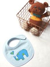Bavaglino in morbida spugna con elefantino azzurro