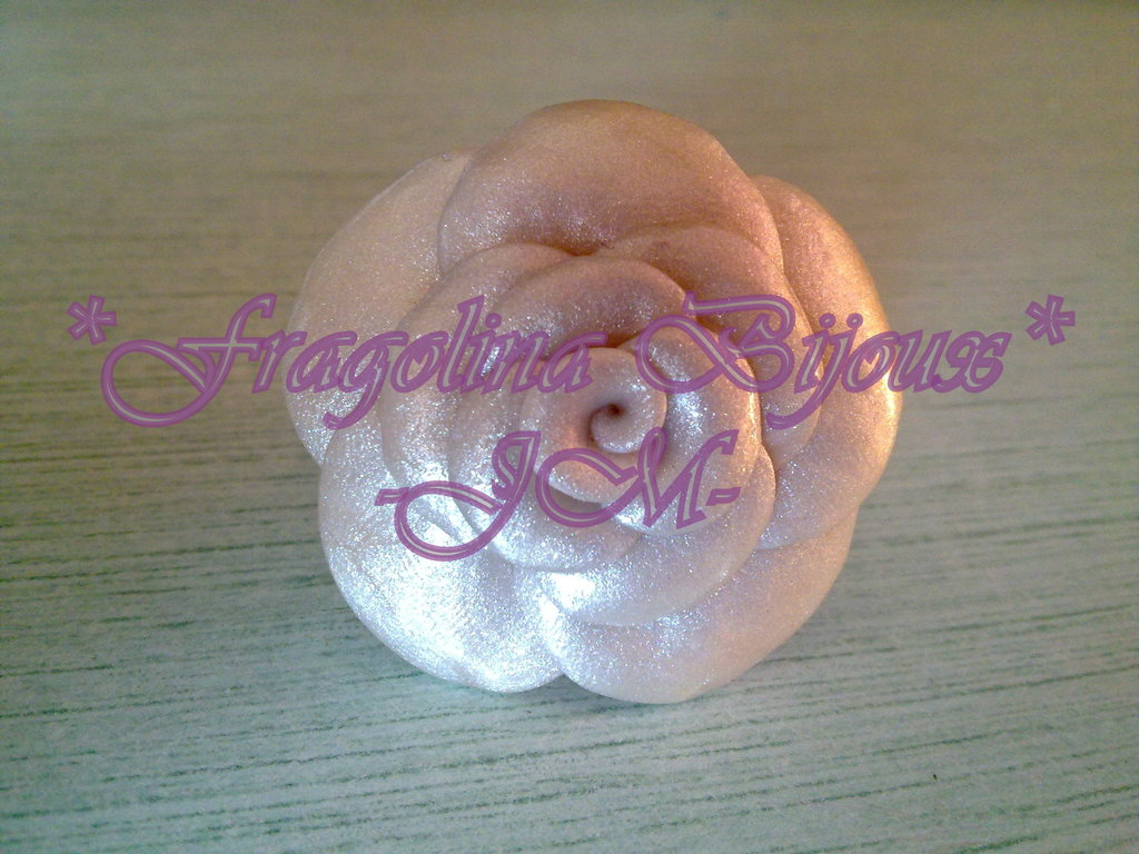 Anello Rosa bianco perla
