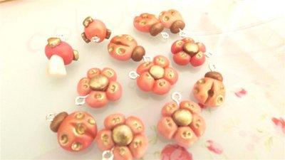FIMO - UNA COPPIA di CIONDOLI A SCELTA CHARMS ESTATE - colori PASTELLO antichizzati ROSA  - bomboniera idea regalo