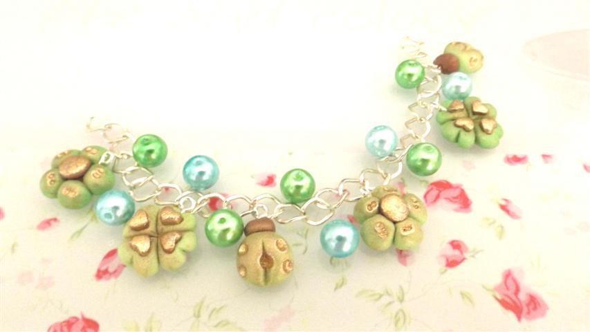 FIMO -BRACCIALE   ESTATE - colori PASTELLO antichizzati multicharms - VERDE E  con perle