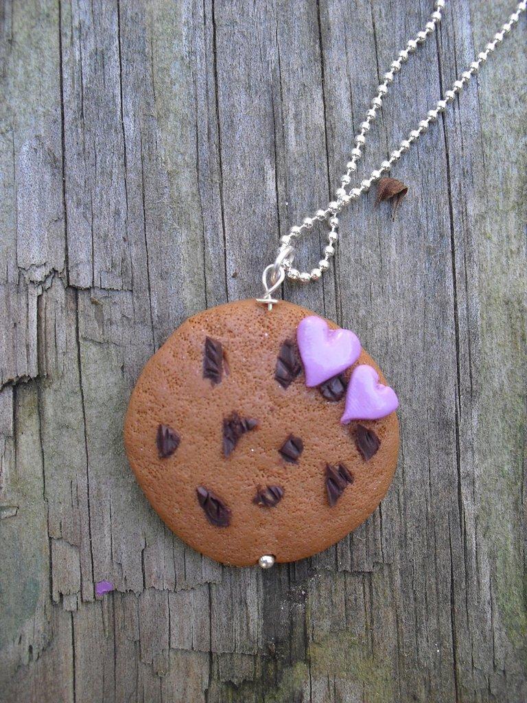 ciondolo biscotto e cuoricini