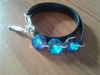 Braccialetto in pvc nero con cristalli ottagonali bermuda blue