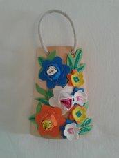 Tegola di legno con fiori