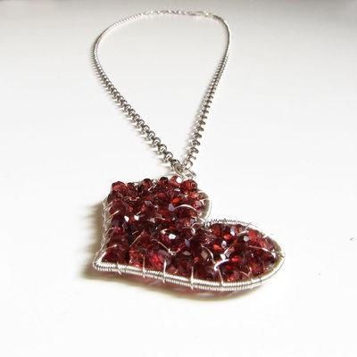 Lunga collana in argento cuore rosso con granato