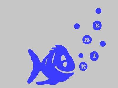 Adesivo murale azzurro Pesce con bolle e nome
