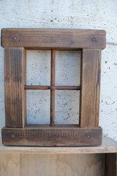 Finestra il legno anticata
