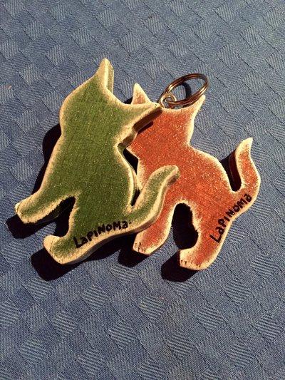 """Portachiavi """"Mici & Cani"""" in legno"""
