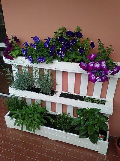 Fioriera da riuso bancale pallet per giardino o terrazza for Giardino fiori