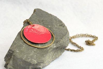 Collana Cerchi in Ottone color Lampone