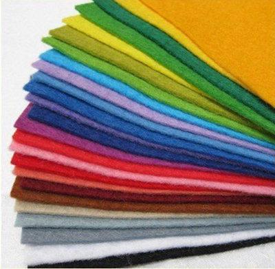 8 fogli pannolenci 30 x 30 cm spessore 1 mm 8 colori