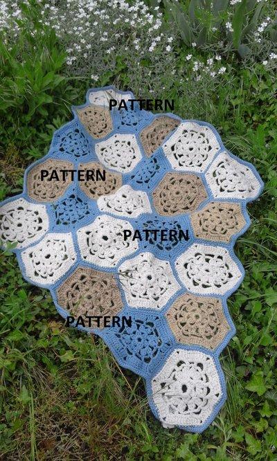 Pattern tappeto artigianale a piastrelle all'uncinetto
