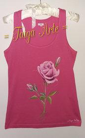 Canotta rosa con rosa rosa