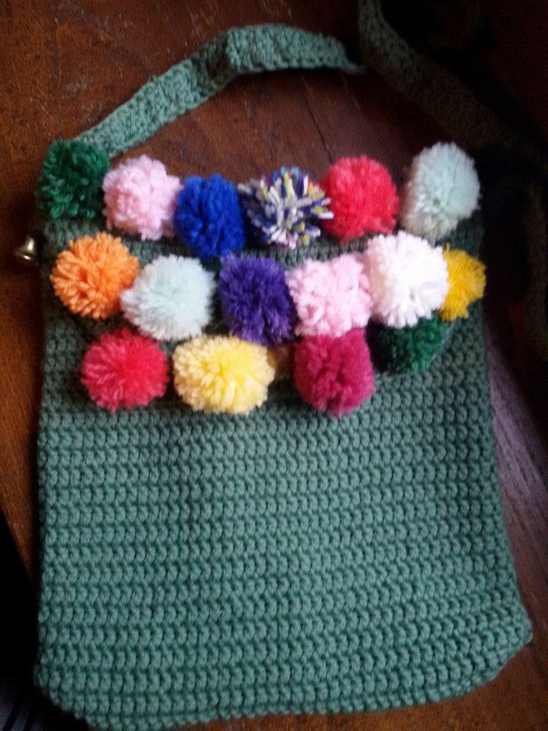 Borsetta colorata con tracolla