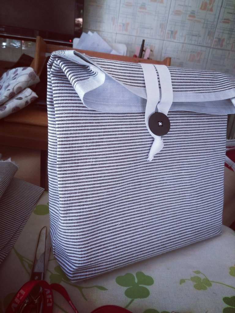Sacchetto porta pranzo in tessuto plasticato