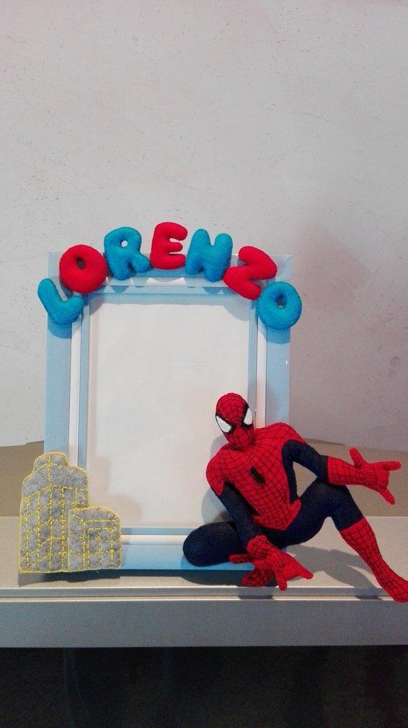 cornice spiderman bambino pannolenci