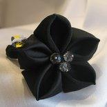 Elastico Fermaglio per capelli con fiore Kanzashi Nero