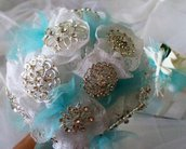 Bouquet sposa di spille e pizzo / Brooch wedding bouquet