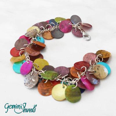 Bracciale con zecchini di madreperla multicolore