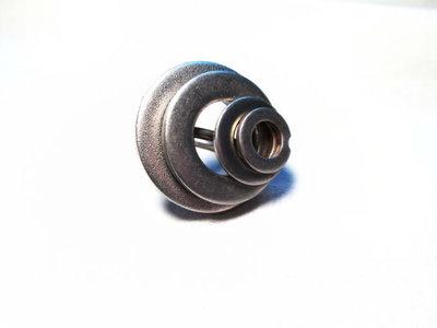 anello con rondelle in acciaio