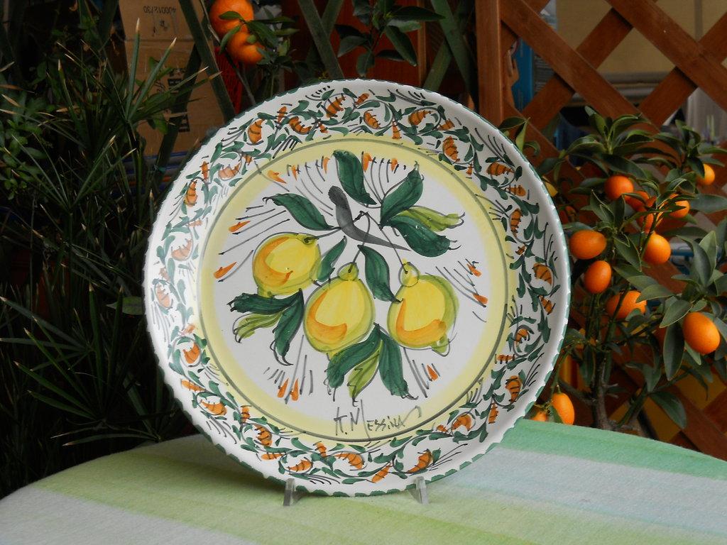 Piatto  rotondo in ceramica