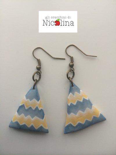Orecchini triangoli azzurro/giallo in cartapesta