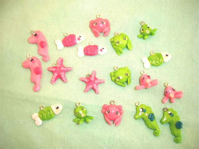 FIMO - kawaii -  un ciondolo charms  a scelta estate - il popolo del mare - VERDE ROSA conchiglie pesciolini polipini
