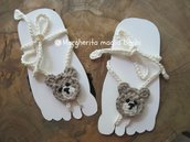 Sandali piedi nudi baby - orsetto all'uncinetto - decorazione piede bambino - idea regalo!