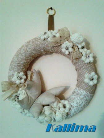 """Decorazione da parete in tessuto e lana  """"PRIMAVERA"""" fatta a mano"""