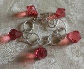 Bracciale catena argentata e pendenti a forma di diamante rosso