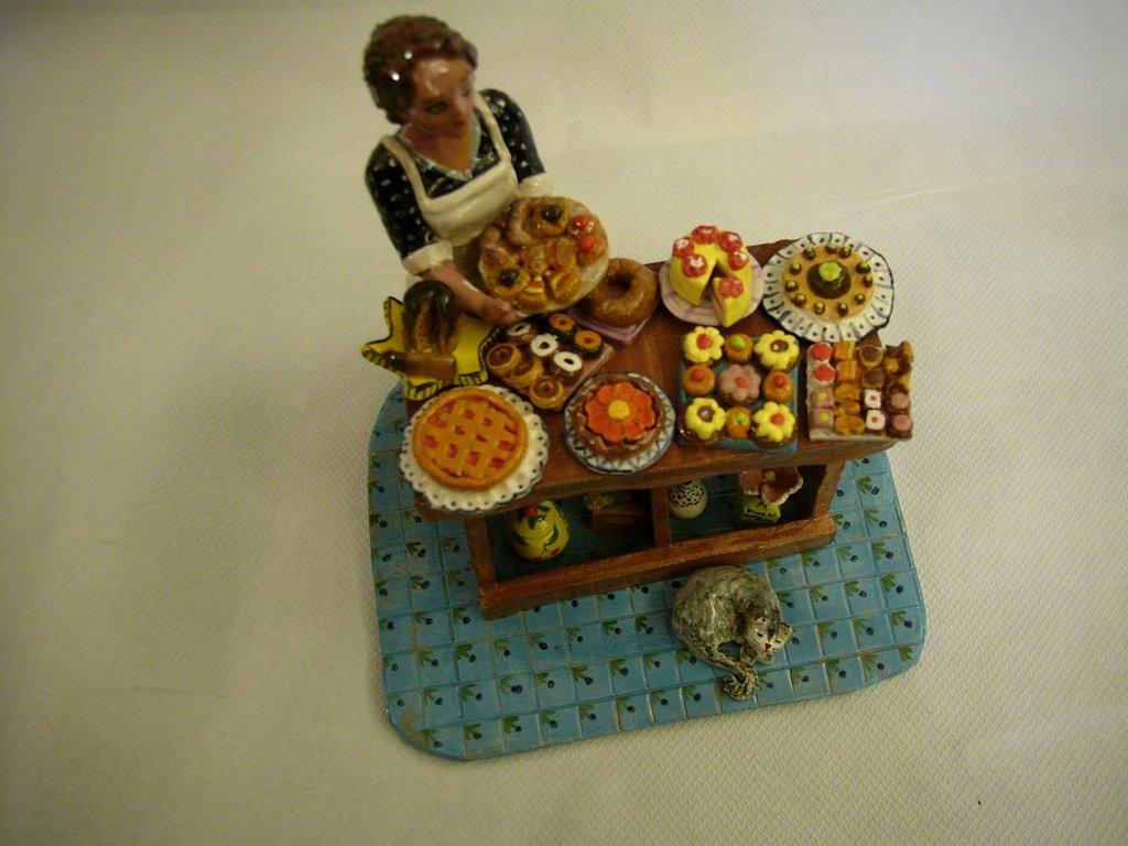 Venditrice di pasticceria