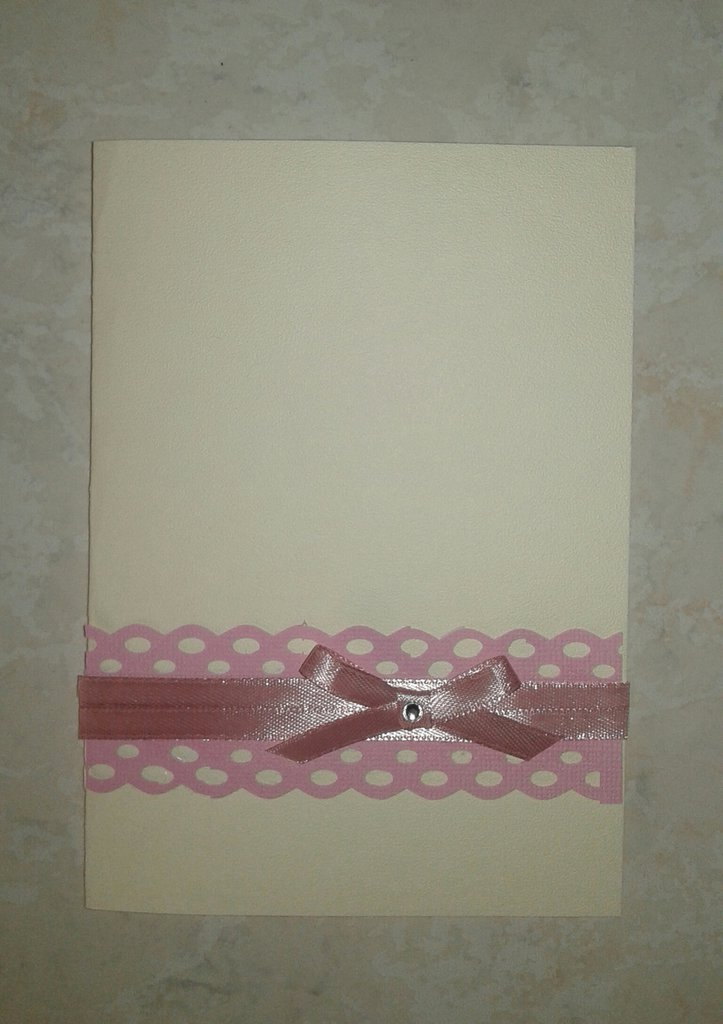 Partecipazione nozze color avorio e rosa con pizzo