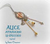 Collana con cammeo in metallo e resina - Alice