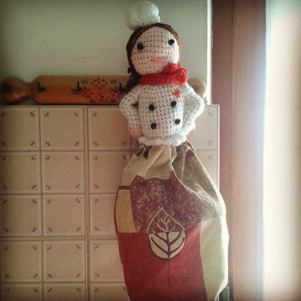 Bambola cuoca porta sacchetti