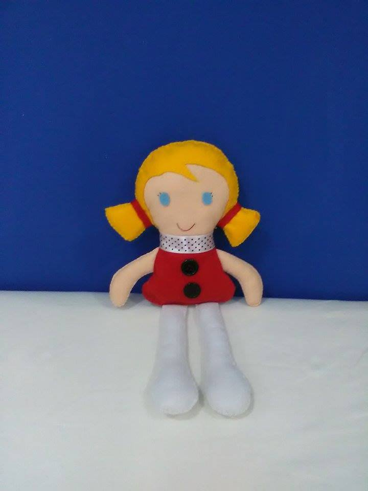 Dolly bambola in pannolenci