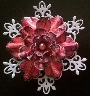 Fiore di carta scrapbooking fatto a mano