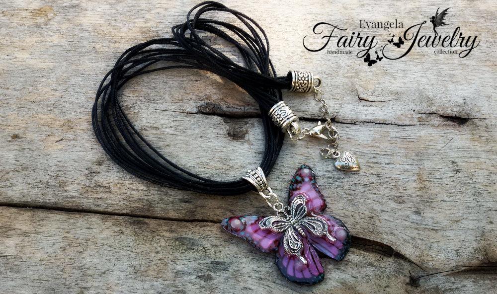 Collana farfalla argentone  cordoncino nero rosa