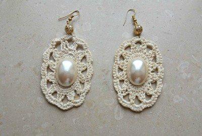 orecchini ecrù con perla ovale