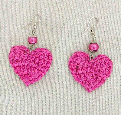 orecchini fucsia a forma di cuore