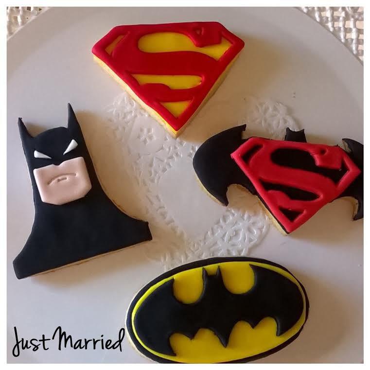 Biscotti decorati misti a tema Batman vs Superman