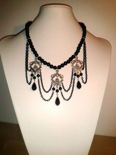 Collana Gotica con catene e perline di color nero