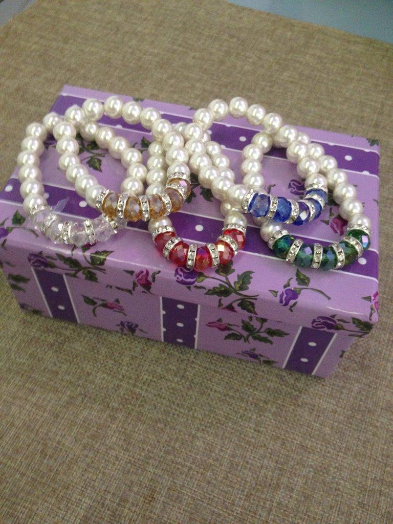 braccialetto con perle