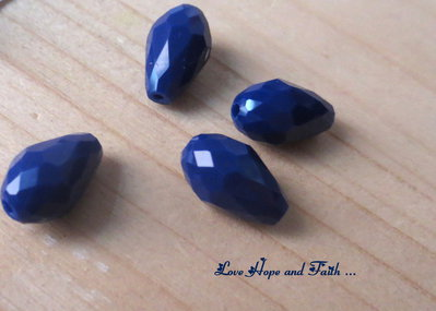 "LOTTO 10 perle teardrop ""zaffiro"" (8x12mm)"
