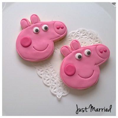 Biscotto decorato a tema di Peppa Pig