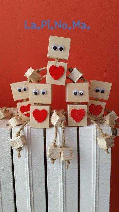 Robot in legno cuore