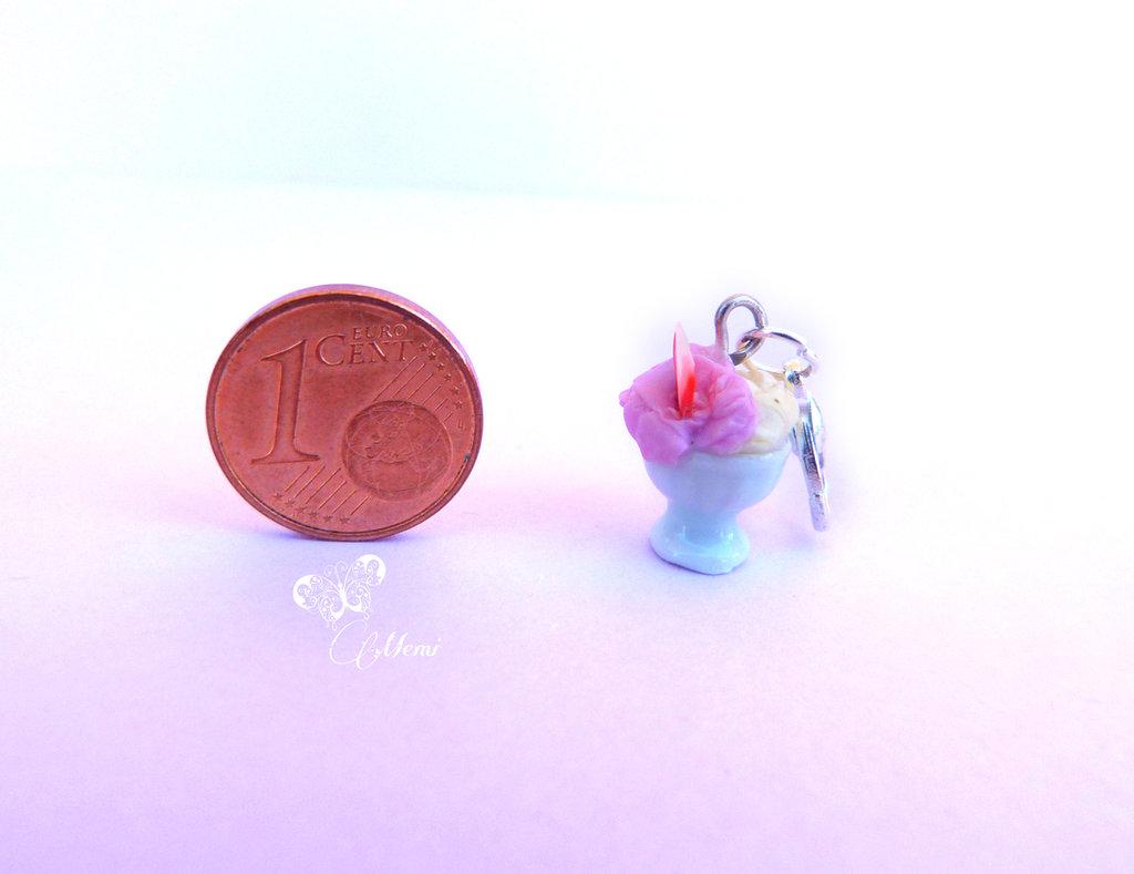 Charm coppetta di gelato fragola e banana - handmade miniature ice cream